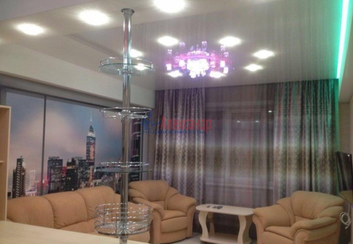 2-комнатная квартира (75м2) в аренду по адресу Богатырский пр., 49— фото 1 из 10