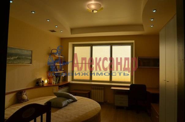 4-комнатная квартира (150м2) в аренду по адресу Рюхина ул., 12— фото 17 из 20