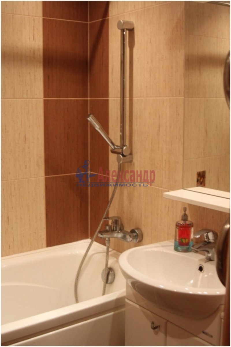 1-комнатная квартира (40м2) в аренду по адресу Дунайский пр., 5— фото 3 из 3