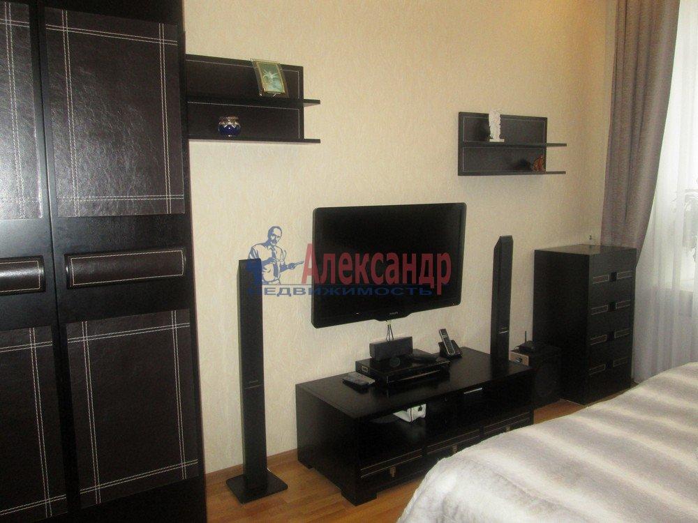 3-комнатная квартира (130м2) в аренду по адресу Виленский пер., 15— фото 2 из 15
