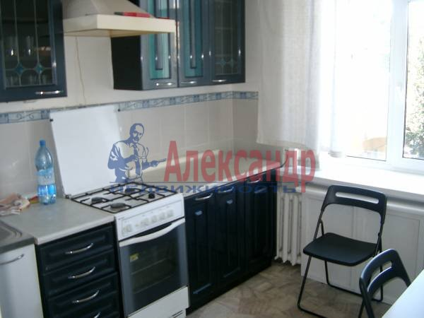 1-комнатная квартира (32м2) в аренду по адресу Луначарского пр., 68— фото 2 из 2