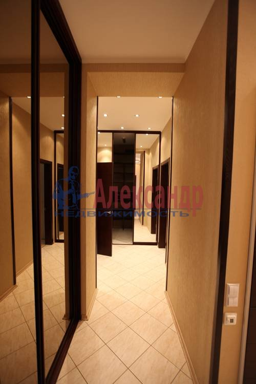 3-комнатная квартира (92м2) в аренду по адресу Бутлерова ул., 40— фото 6 из 8