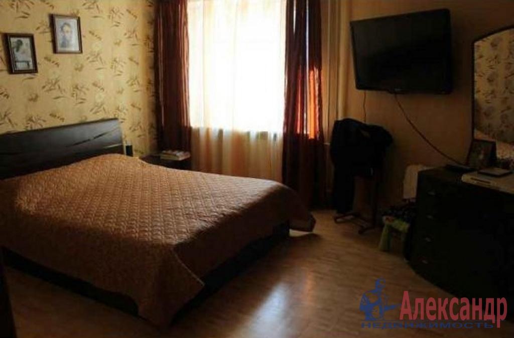 2-комнатная квартира (46м2) в аренду по адресу Коммуны ул., 26— фото 2 из 2
