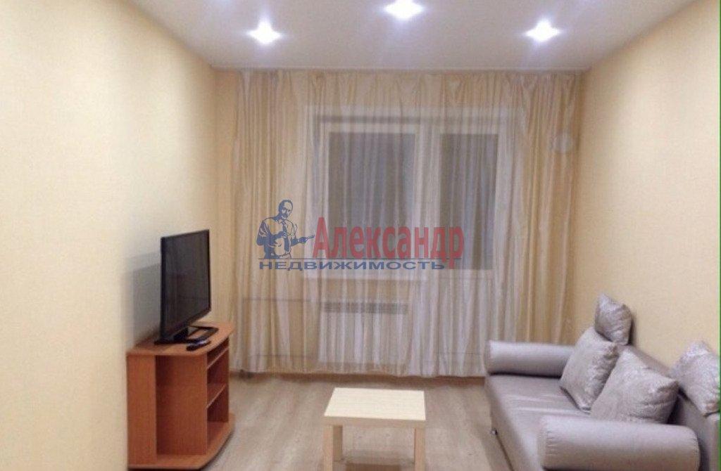 2-комнатная квартира (50м2) в аренду по адресу Богатырский пр., 7— фото 1 из 4
