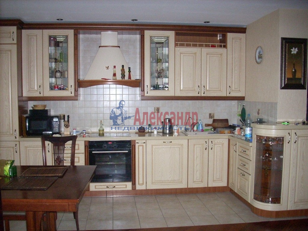 1-комнатная квартира (35м2) в аренду по адресу Полярников ул., 5— фото 2 из 3