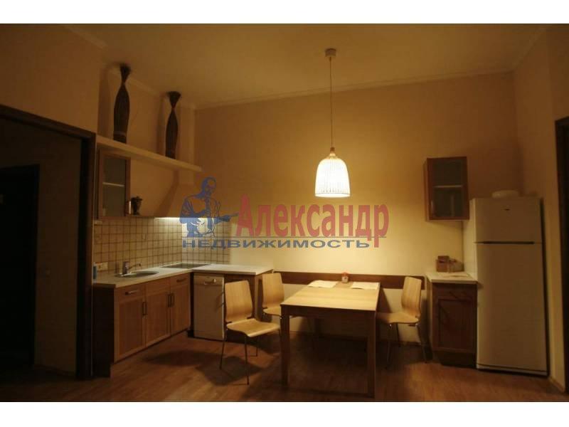 2-комнатная квартира (75м2) в аренду по адресу Большой пр., 88— фото 3 из 5