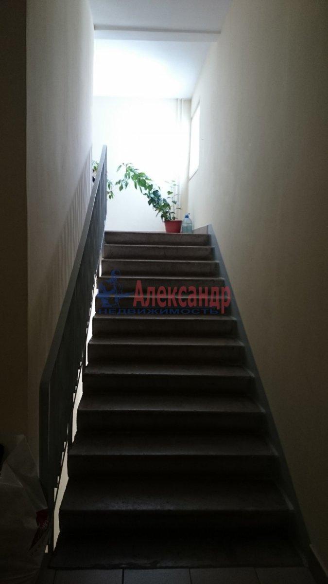 1-комнатная квартира (52м2) в аренду по адресу Малоохтинский пр., 16— фото 7 из 8