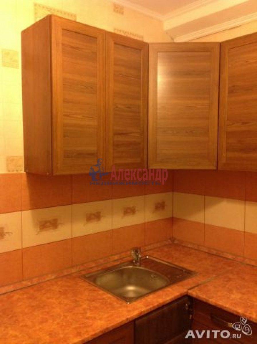 Комната в 4-комнатной квартире (86м2) в аренду по адресу Краснопутиловская ул., 99— фото 1 из 8