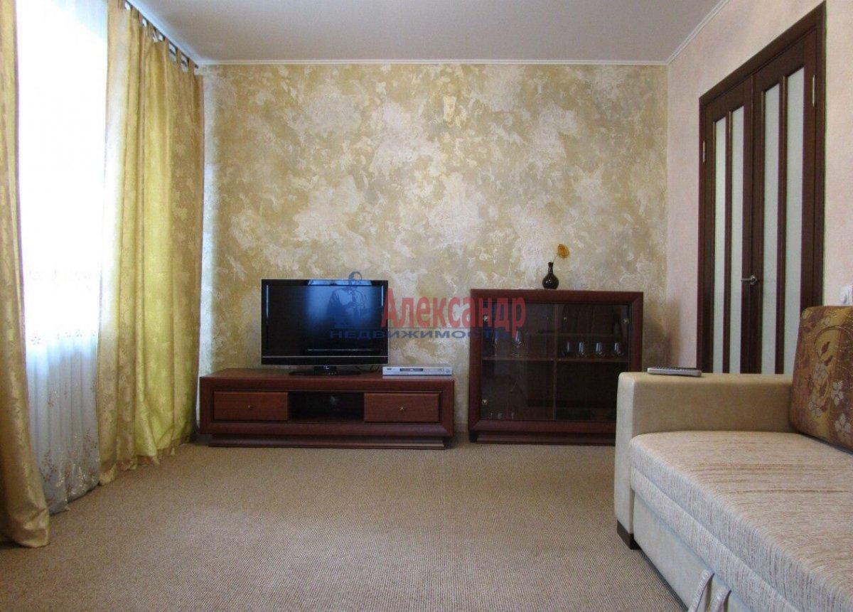 1-комнатная квартира (42м2) в аренду по адресу Ворошилова ул., 31— фото 1 из 1