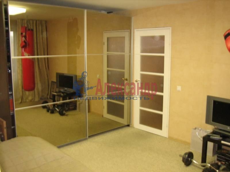 1-комнатная квартира (42м2) в аренду по адресу Раевского пр., 14— фото 2 из 4