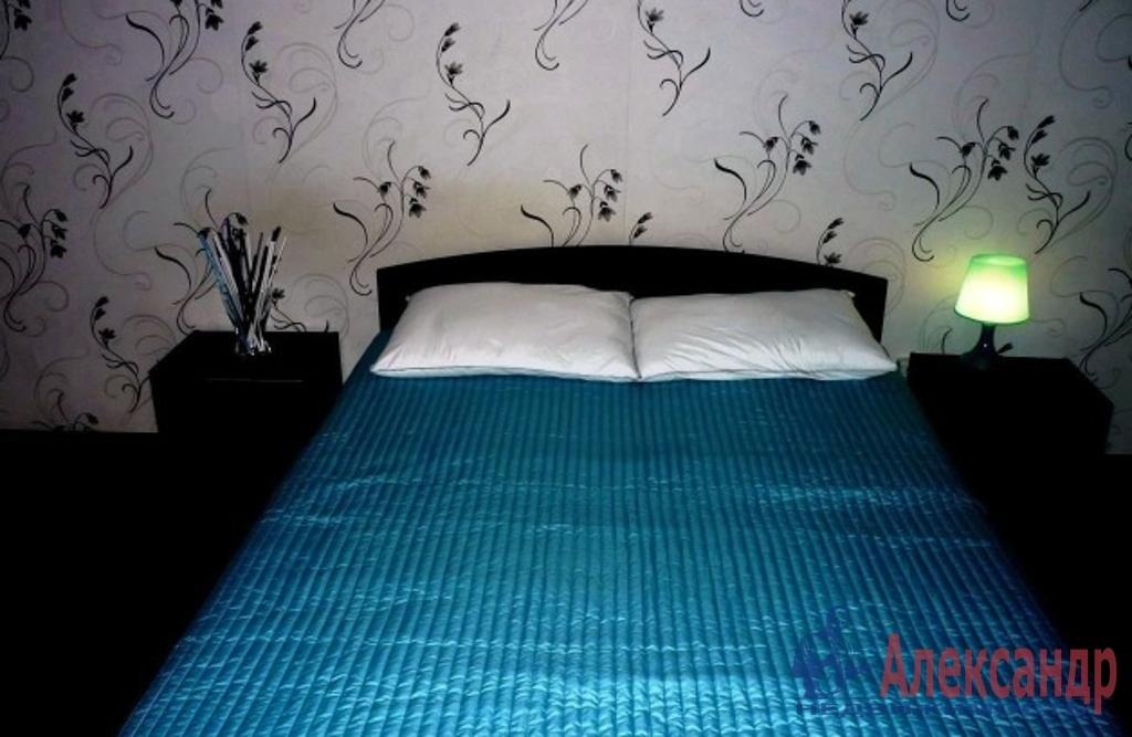 2-комнатная квартира (50м2) в аренду по адресу Варшавская ул., 65— фото 2 из 5