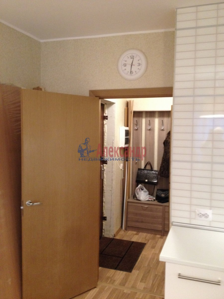1-комнатная квартира (34м2) в аренду по адресу Мурино пос., Привокзальная пл., 1А— фото 8 из 13