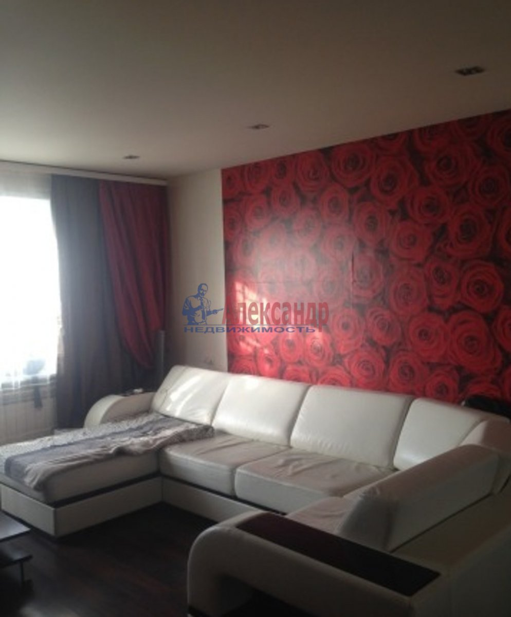 3-комнатная квартира (94м2) в аренду по адресу Наставников пр., 34— фото 1 из 4