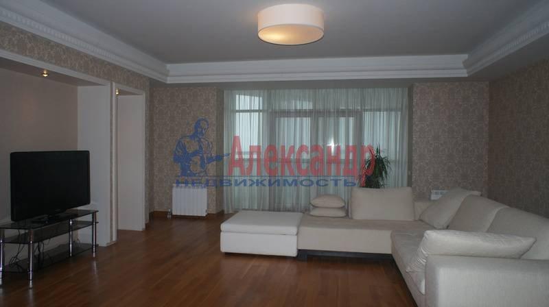 3-комнатная квартира (200м2) в аренду по адресу Капитанская ул., 4— фото 2 из 14