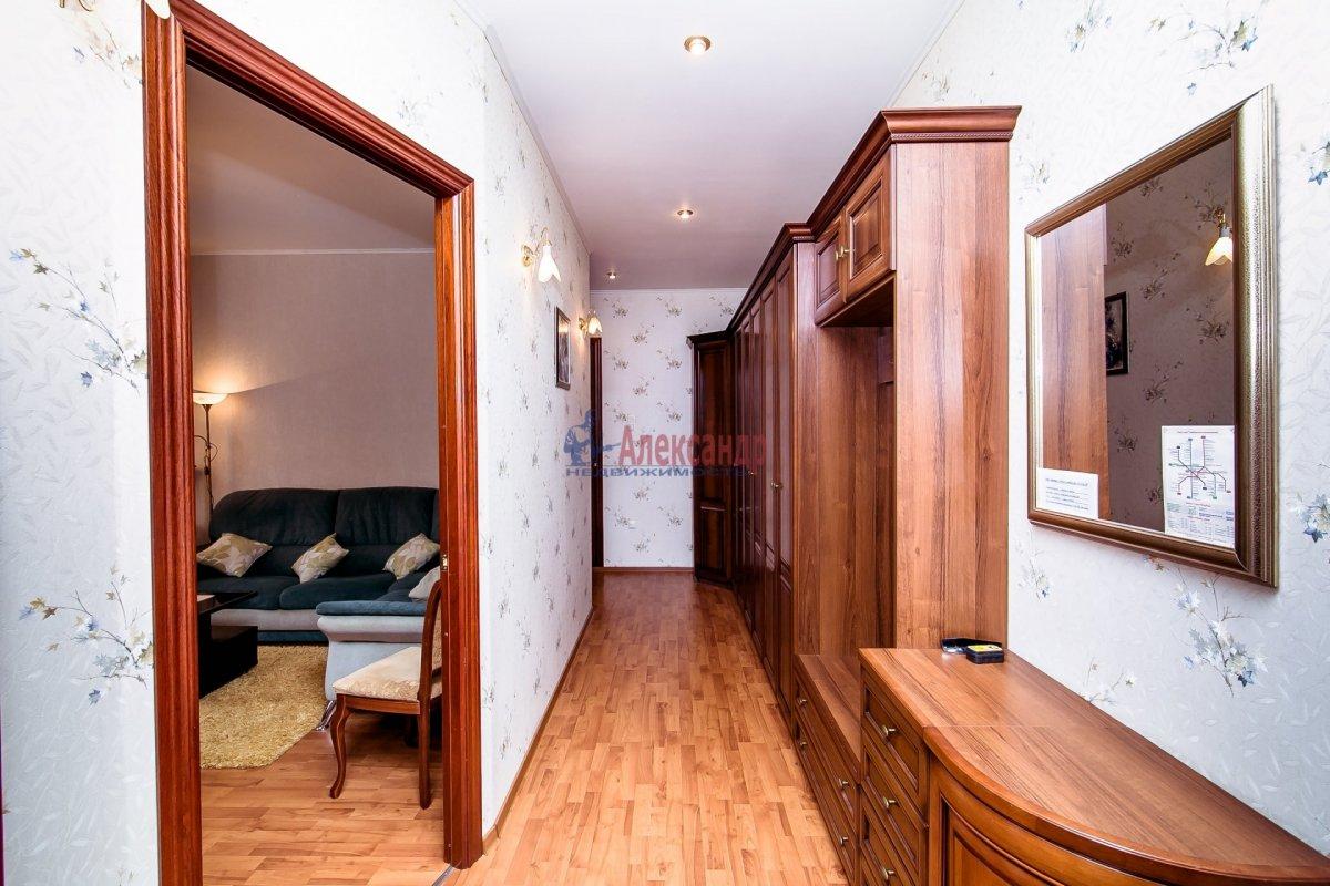 2-комнатная квартира (65м2) в аренду по адресу Алтайская ул., 11— фото 16 из 26