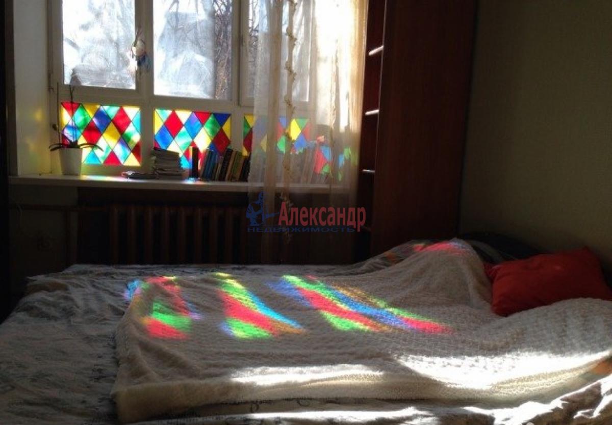 Комната в 4-комнатной квартире (128м2) в аренду по адресу Вознесенский пр.— фото 2 из 3