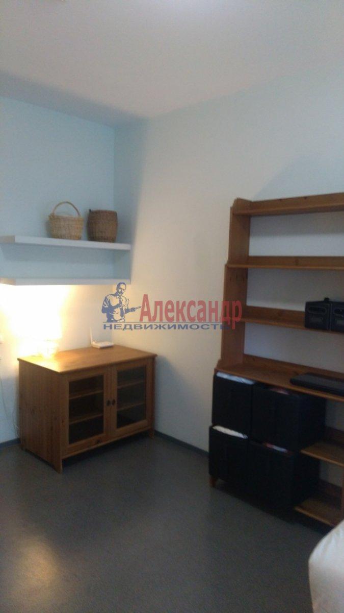 1-комнатная квартира (36м2) в аренду по адресу Брянцева ул., 15— фото 2 из 8