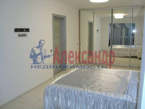 2-комнатная квартира (84м2) в аренду по адресу Плуталова ул., 4— фото 6 из 8