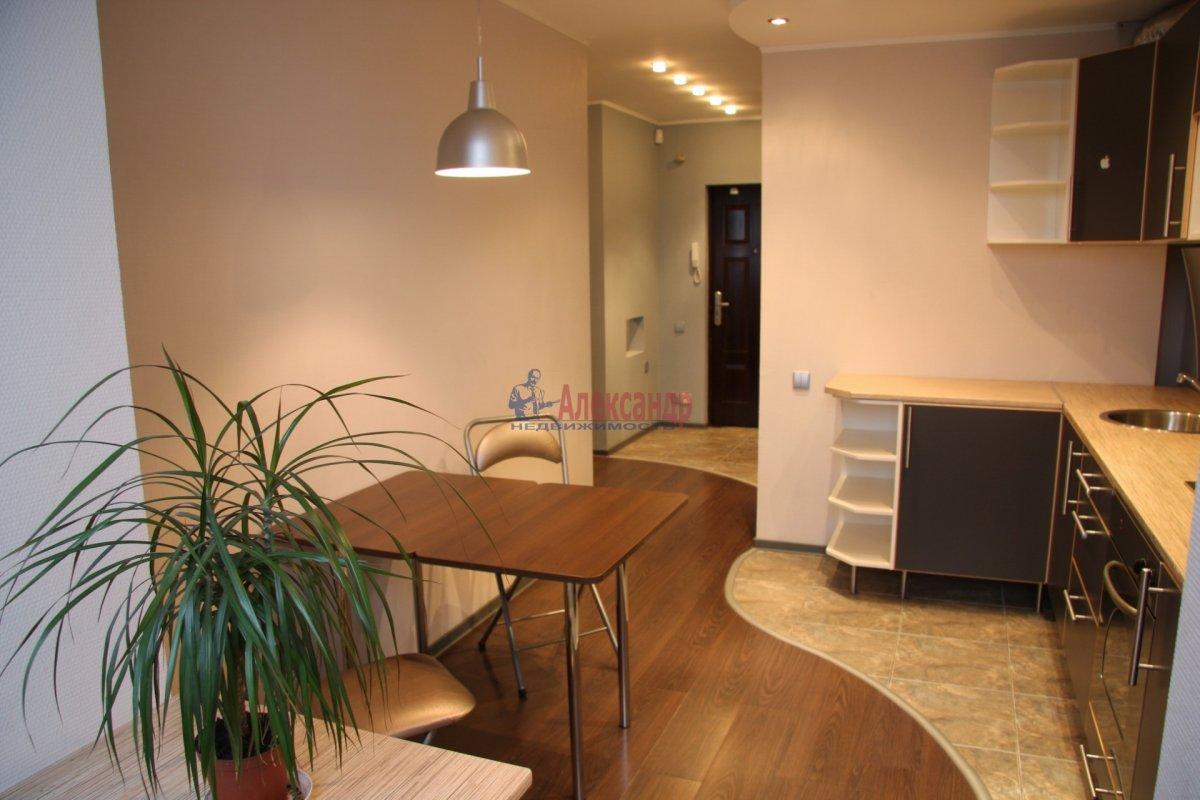 2-комнатная квартира (100м2) в аренду по адресу Гангутская ул., 8— фото 6 из 7
