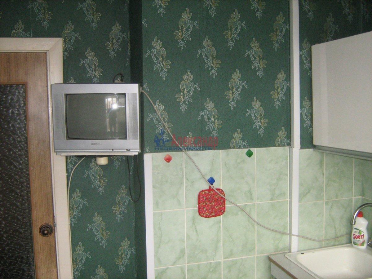 1-комнатная квартира (38м2) в аренду по адресу Дунайский пр., 51— фото 3 из 6