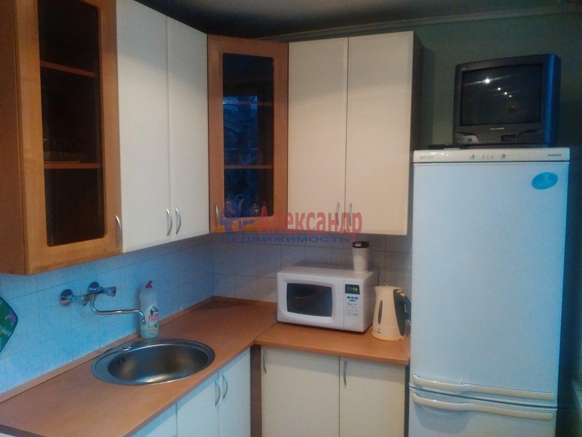 2-комнатная квартира (48м2) в аренду по адресу Энергетиков пр., 31— фото 2 из 5