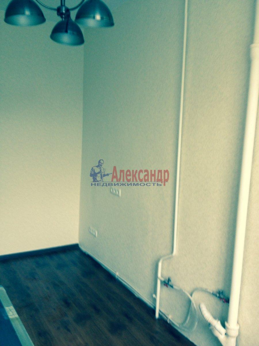 3-комнатная квартира (76м2) в аренду по адресу Кавалергардская ул., 3— фото 3 из 9