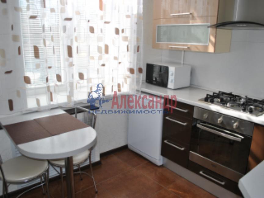 1-комнатная квартира (42м2) в аренду по адресу Луначарского пр., 104— фото 1 из 5