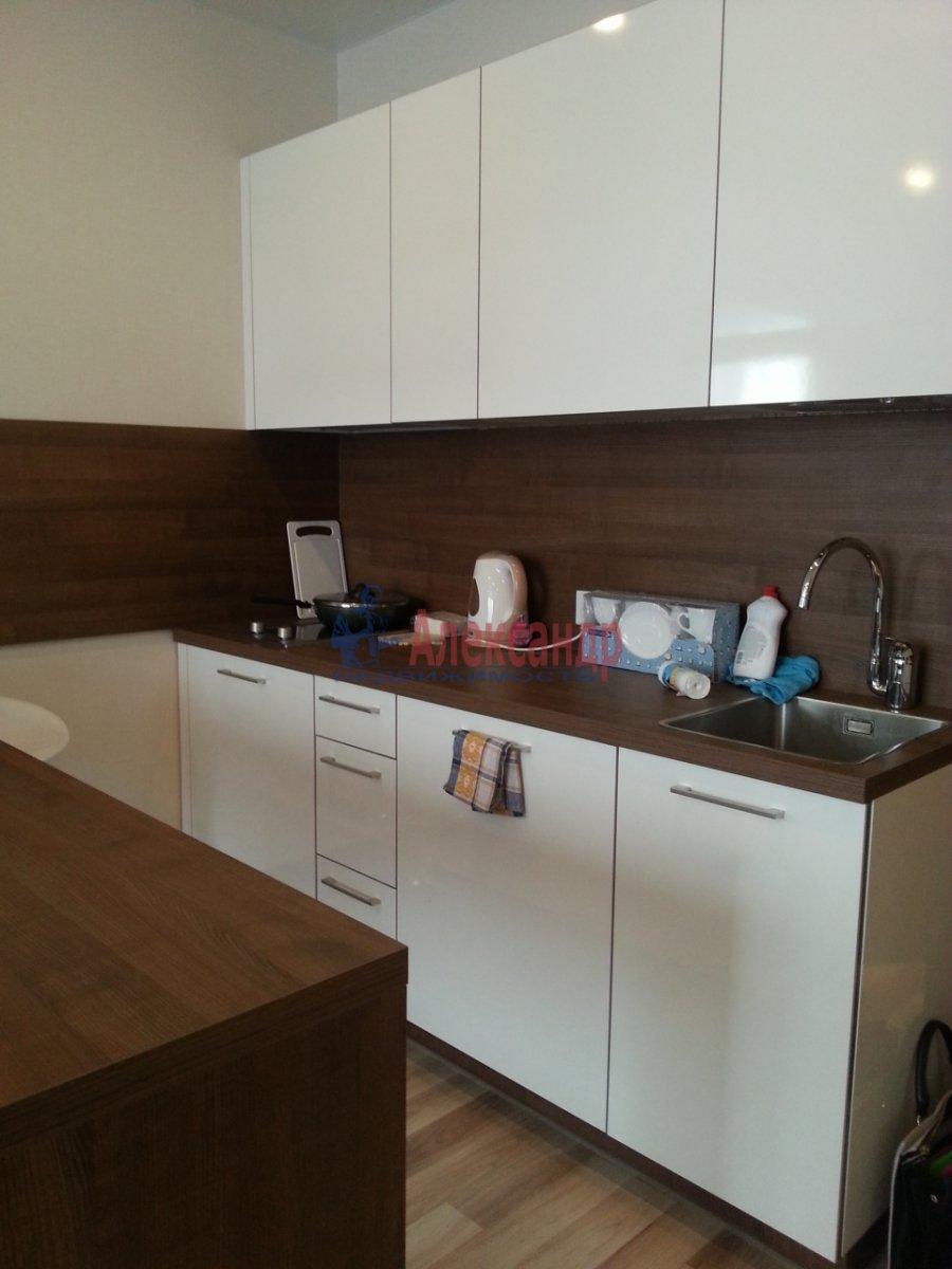 1-комнатная квартира (40м2) в аренду по адресу Обуховской Обороны пр., 138— фото 4 из 10