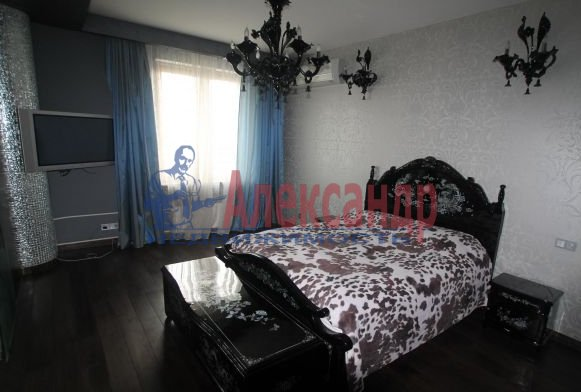 3-комнатная квартира (125м2) в аренду по адресу Рубинштейна ул., 15/17— фото 2 из 3