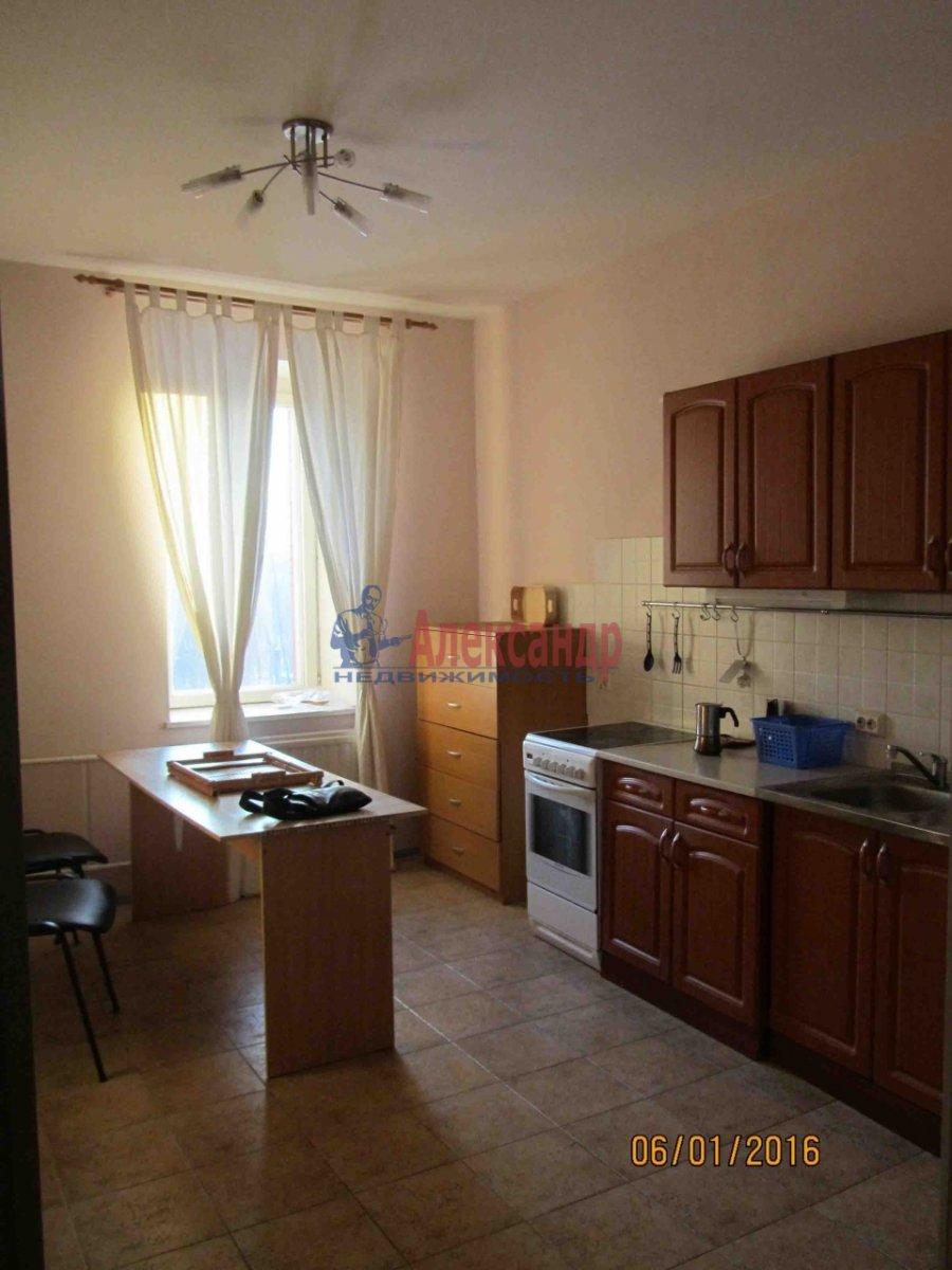 1-комнатная квартира (50м2) в аренду по адресу Манчестерская ул., 10— фото 2 из 4