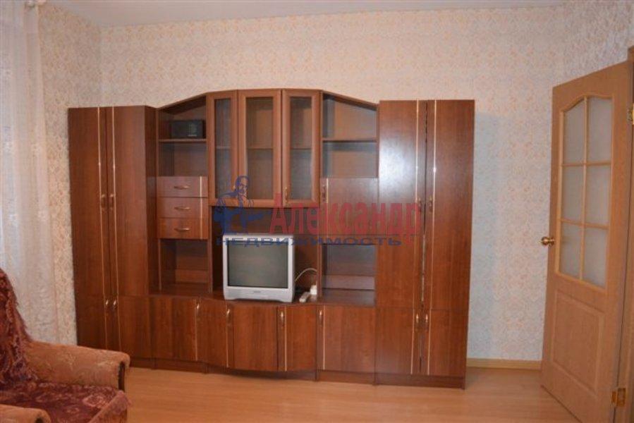 1-комнатная квартира (36м2) в аренду по адресу Ленинский пр., 75— фото 3 из 8