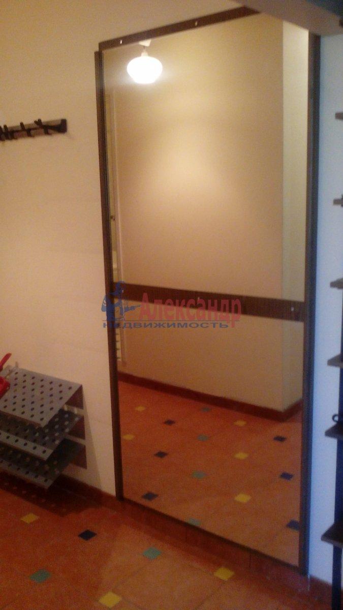 3-комнатная квартира (95м2) в аренду по адресу Большевиков пр., 22— фото 10 из 12