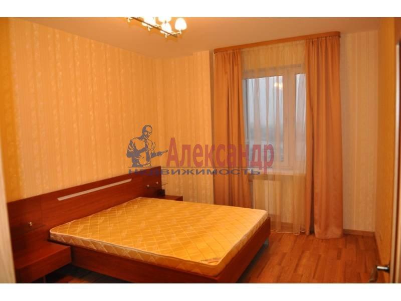 2-комнатная квартира (63м2) в аренду по адресу Октябрьская наб.— фото 3 из 4