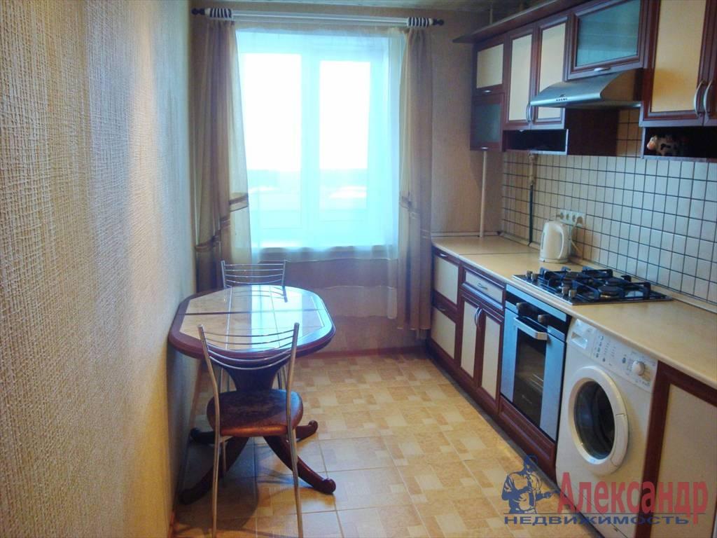2-комнатная квартира (44м2) в аренду по адресу Луначарского пр., 76— фото 3 из 3