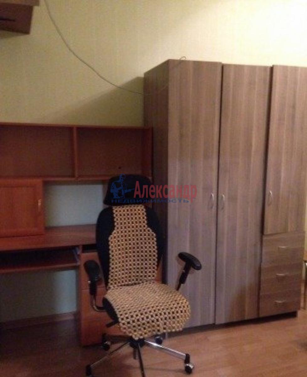 Комната в 4-комнатной квартире (128м2) в аренду по адресу Вознесенский пр.— фото 3 из 3