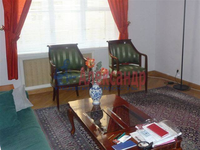 3-комнатная квартира (70м2) в аренду по адресу Фурштатская ул., 11— фото 8 из 9