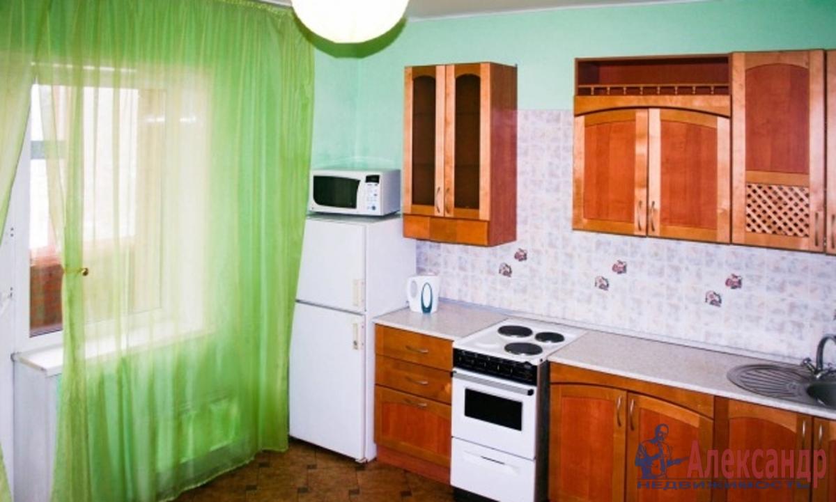 3-комнатная квартира (72м2) в аренду по адресу Караваевская ул., 26— фото 2 из 3