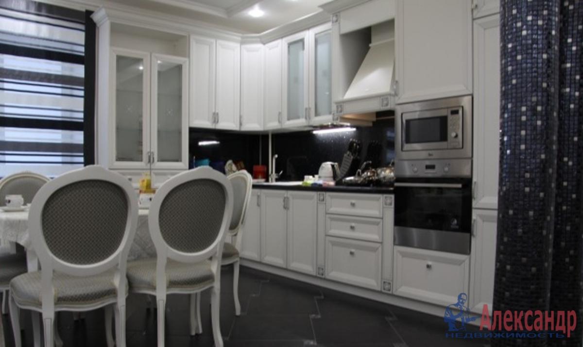 1-комнатная квартира (58м2) в аренду по адресу Большеохтинский пр., 9— фото 2 из 2