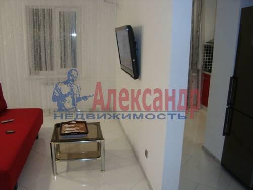 2-комнатная квартира (84м2) в аренду по адресу Плуталова ул., 4— фото 4 из 8