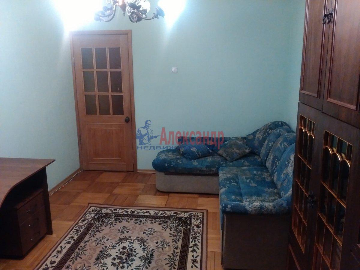 2-комнатная квартира (48м2) в аренду по адресу Энергетиков пр., 31— фото 1 из 5