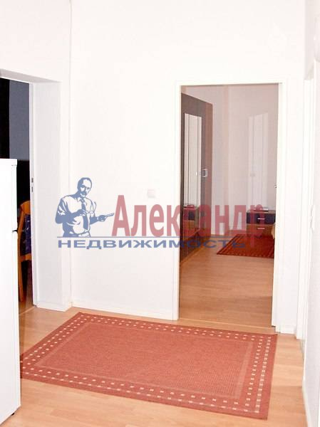 2-комнатная квартира (68м2) в аренду по адресу Невский пр.— фото 4 из 5