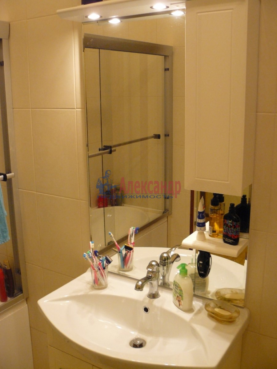 2-комнатная квартира (70м2) в аренду по адресу 5 Советская ул., 4— фото 9 из 13