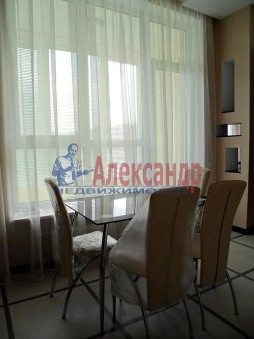 2-комнатная квартира (67м2) в аренду по адресу Космонавтов просп., 37— фото 3 из 7