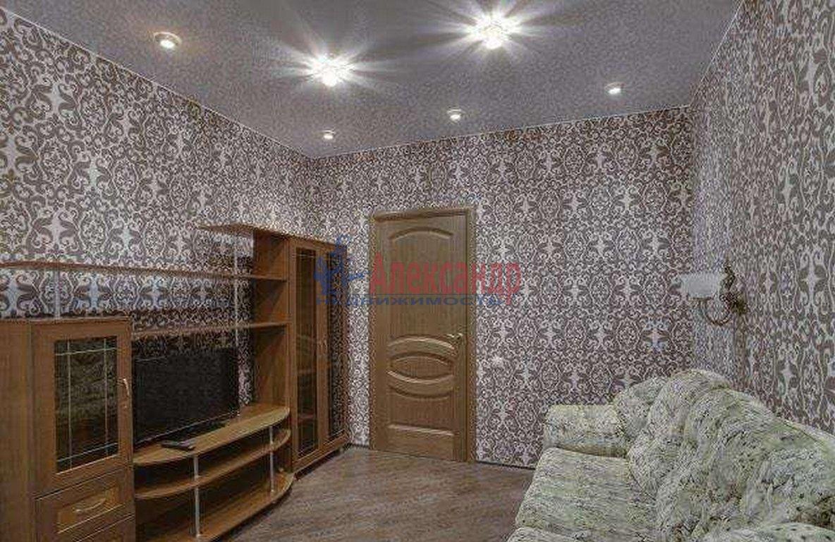 2-комнатная квартира (45м2) в аренду по адресу 7 Красноармейская ул., 19— фото 1 из 3