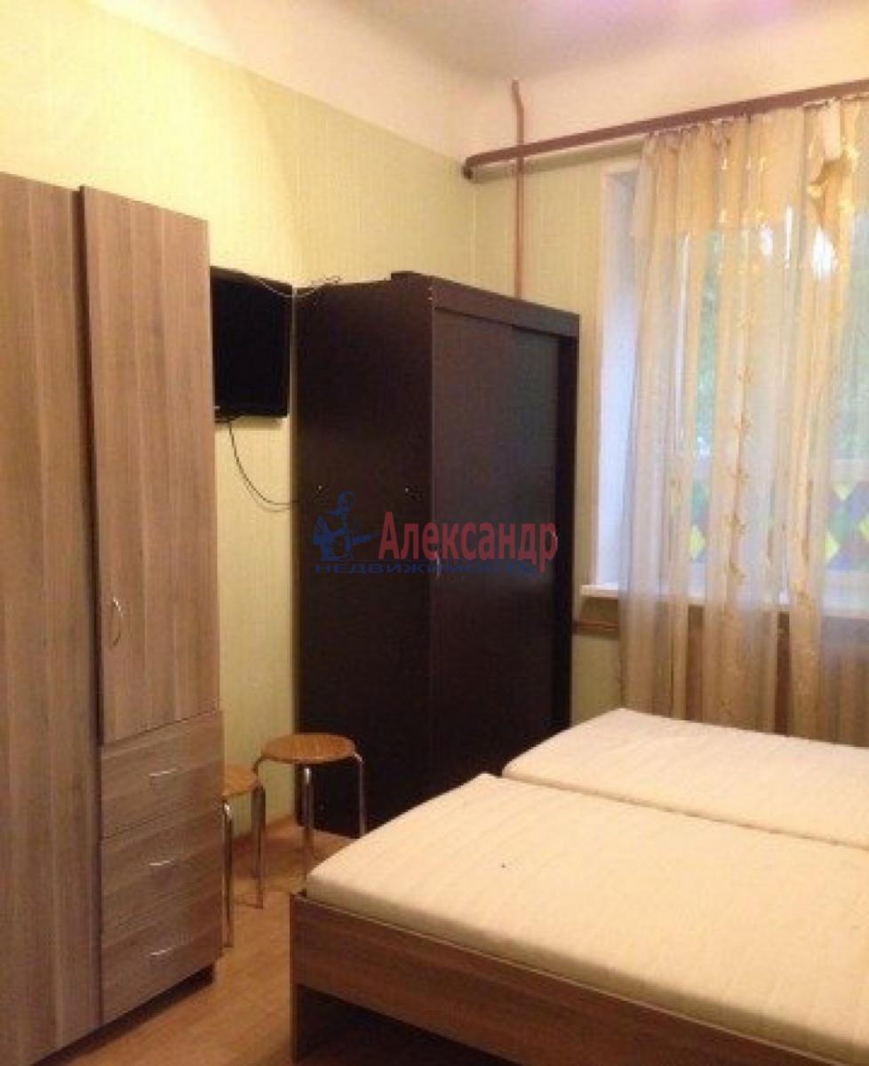 Комната в 4-комнатной квартире (128м2) в аренду по адресу Вознесенский пр.— фото 1 из 3