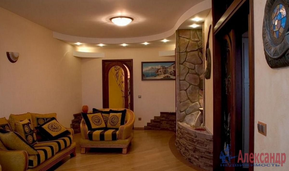 3-комнатная квартира (130м2) в аренду по адресу Восстания ул., 8— фото 1 из 4