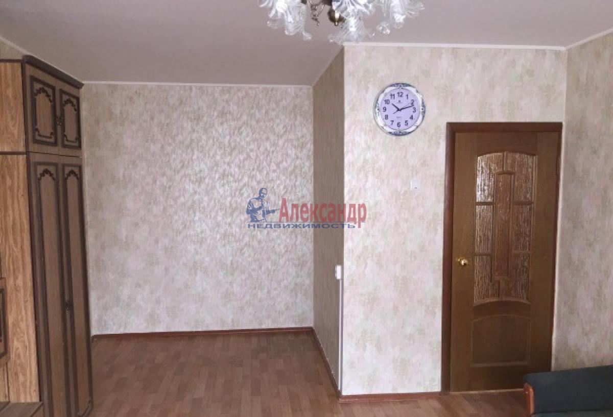 1-комнатная квартира (35м2) в аренду по адресу Ленинский пр., 119— фото 2 из 6