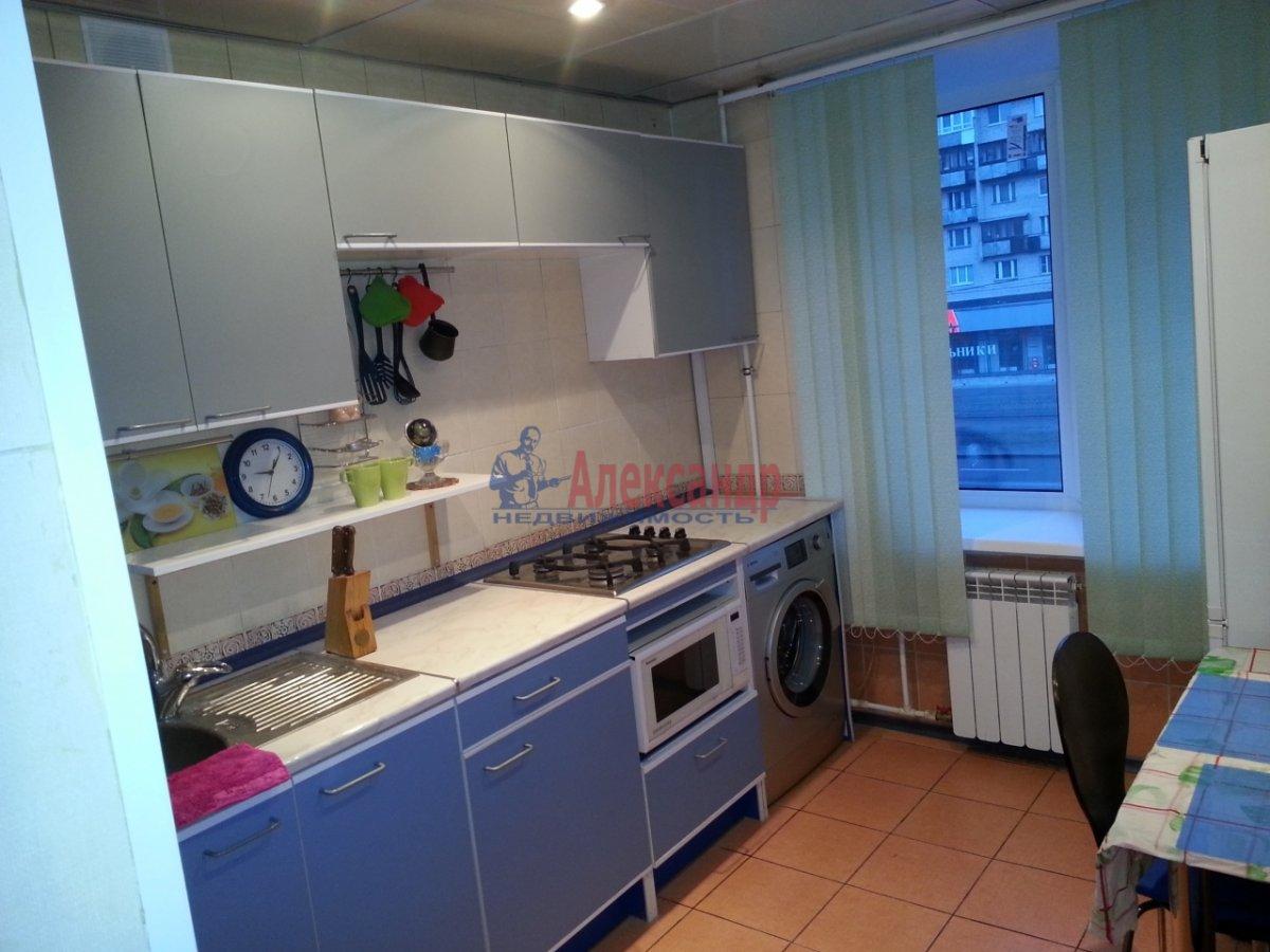 1-комнатная квартира (35м2) в аренду по адресу Кронштадтская ул., 13— фото 1 из 6