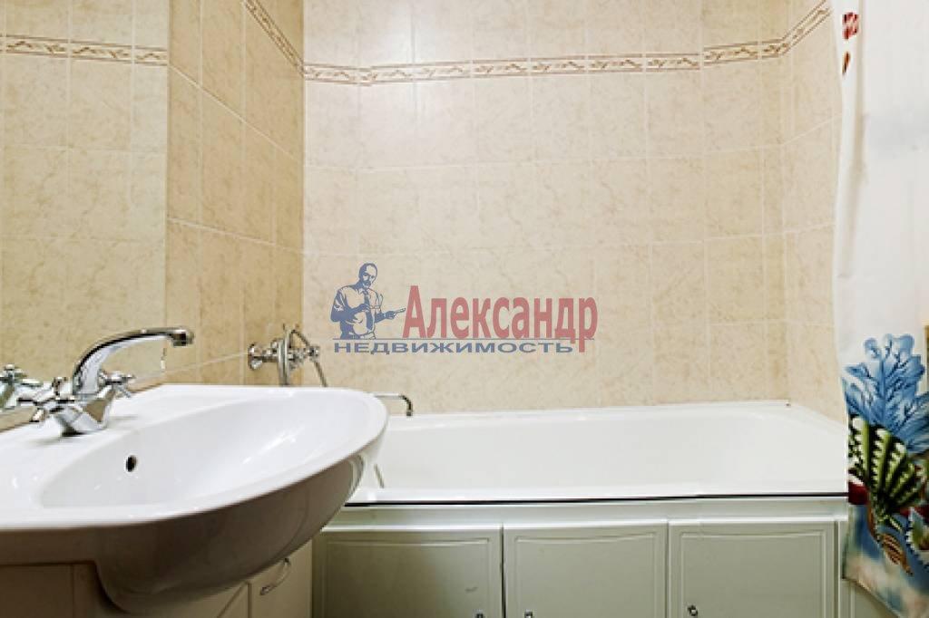 1-комнатная квартира (50м2) в аренду по адресу Бассейная ул., 10— фото 3 из 6