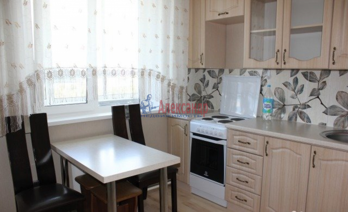 1-комнатная квартира (35м2) в аренду по адресу Белградская ул., 6— фото 1 из 4